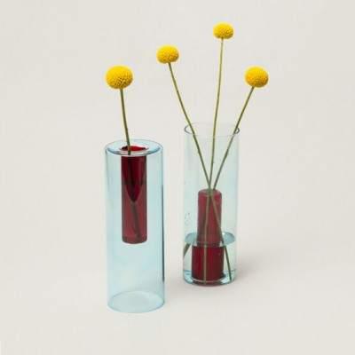 Vase en verre réversible L bleu / rouge - Maison James Close à Antibes