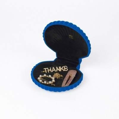 Petite boite à bijoux bleue - Venus DOIY - Maison James Close à Antibes