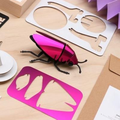 Jewel Beetle Rose en Papier à Assembler